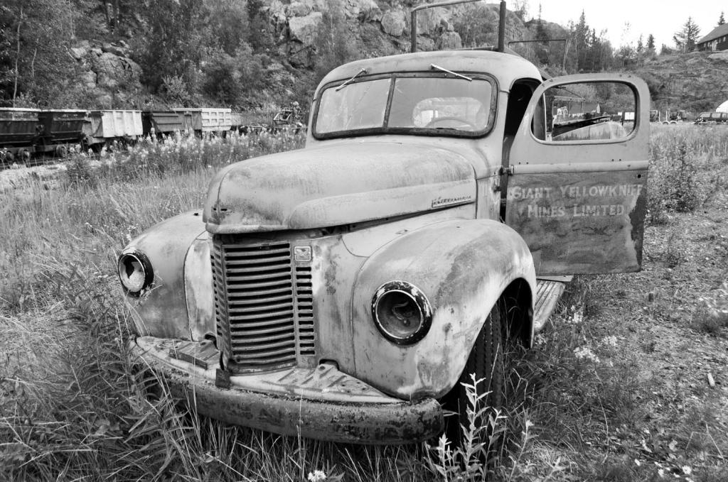 giant_mine_truck